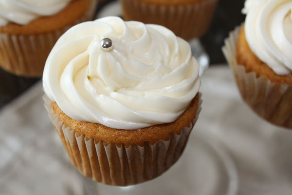 Mango Cupcake With Cream Cheese Frosting